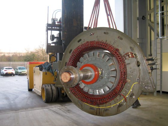 Moving heavy machinery parts using lifting gear